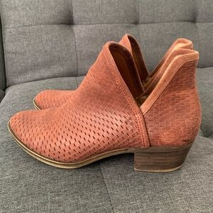 Lucky Brand Maroon Booties